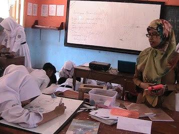 Ai Deti Heryanti didalam kelas