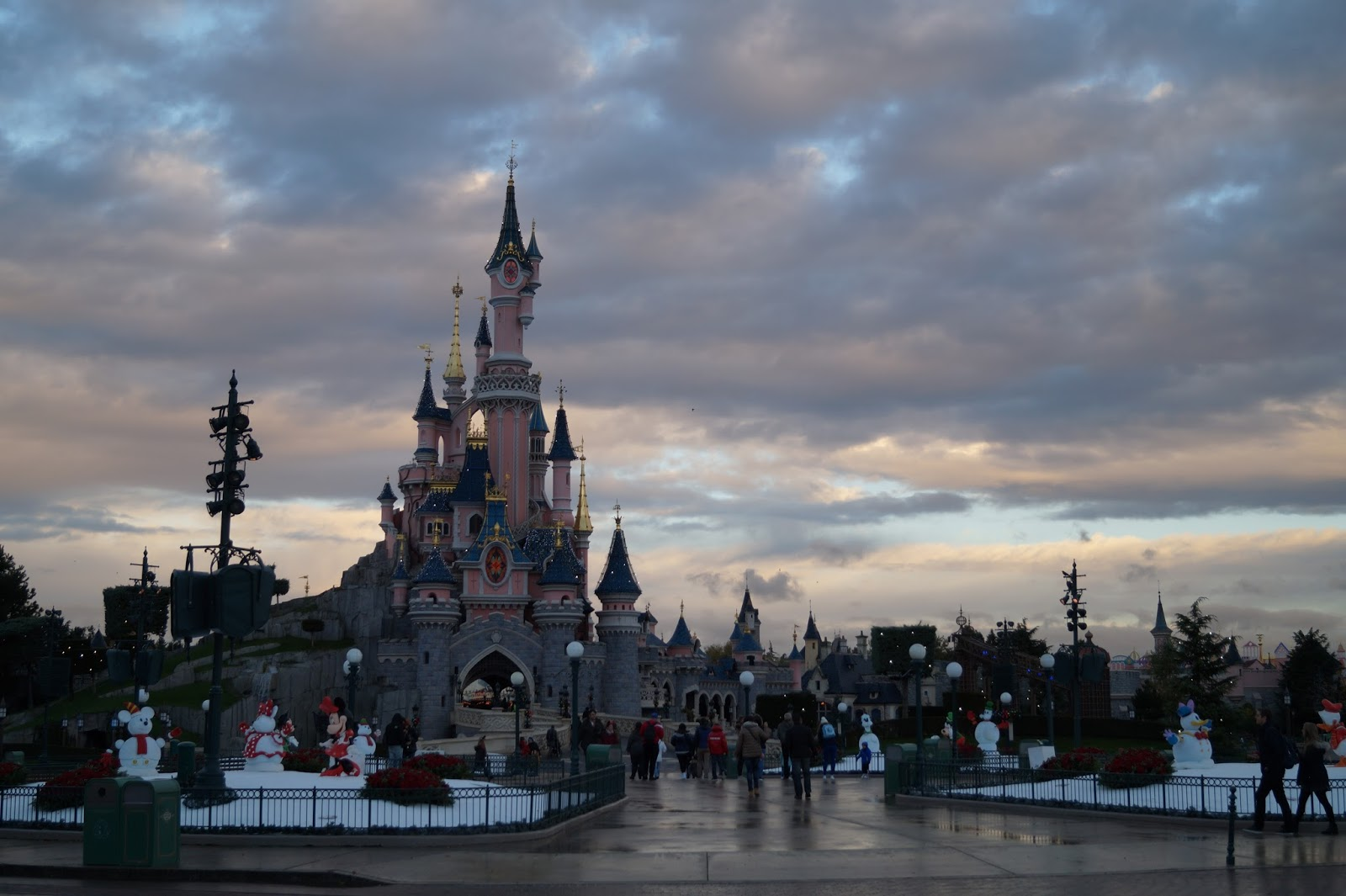 Awesome Soggiorno Disneyland Paris Images - House Design Ideas 2018 ...