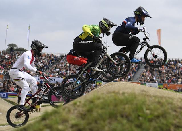Anderson Ezequiel no Mundial de BMX Racing - Foto: UCI / Divulgação