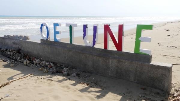 Pantai Oetune Destinasi Viral 2019