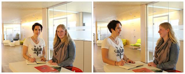 Marina im Gespräch mit Laura an ihrem jetzigen Arbeitsplatz