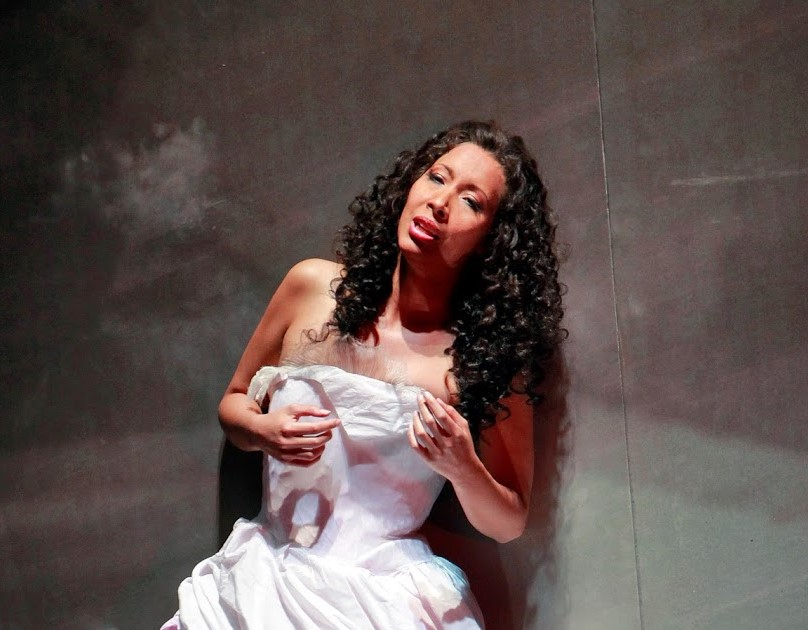 ARTS IN ACTION: Soprano NICOLE CABELL as Giulietta in San Francisco Opera's 2012 production of Vincenzo Bellini's I CAPULETI ED I MONTECCHI [Photo by Cory Weaver, © by San Francisco Opera]