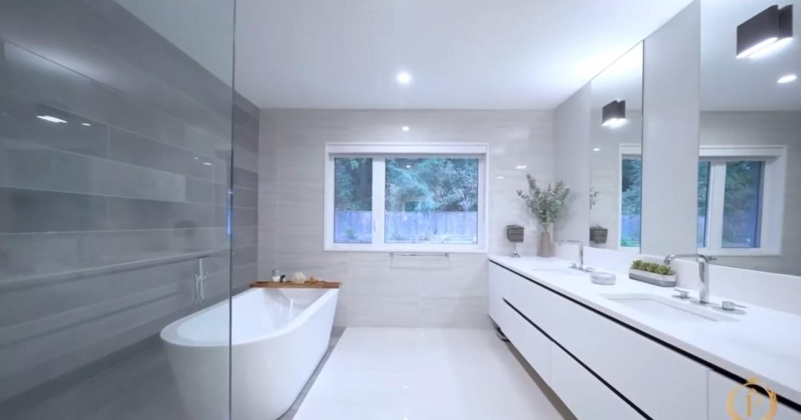 29 Interior Design Photos vs. 4324 Glencanyon Dr, North Vancouver Luxury Home Tour