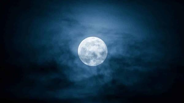 Lua Azul, meteoros e Urano: veja os destaques no céu nesta semana