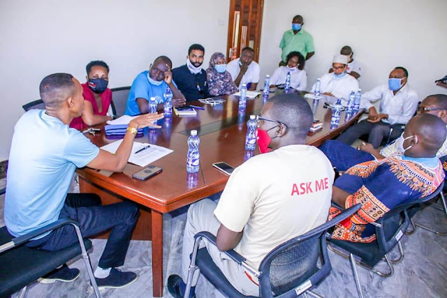 Mohammed Ali meets Mombasa business stakeholders and civil society groups