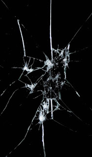 زجاج مكسور