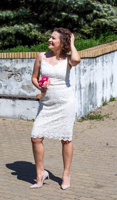 koronkowa sukienka, sukienka na wiele okazji, sukienka bonprix, jasna koronka, szpilki, wiosenna stylizacja, www.adriana-style.com, @adrianastyle_stylist, blog modowy, sukienka na wesele