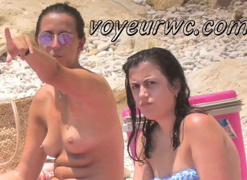 Peeping at the naked girls on the beaches (Beach Jerk 151-155)