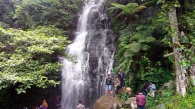 Curug Ciparut,salah satu wisata alam yang terdapat di purwakarta