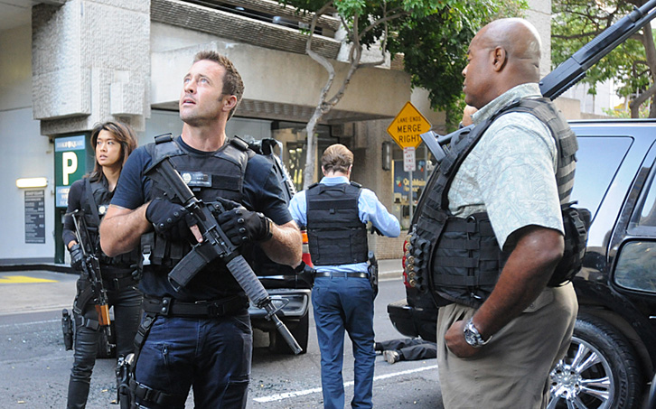 Hawaii Five-0 - Episode 6.24 - Pa'a Ka 'Ipuka I ka 'Upena Nananana - Promotional Photos + Press Release