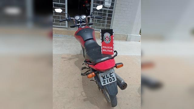 Durante Operação, PM apreende moto com restrição de roubo em Teixeira PB