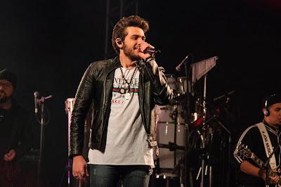 Gustavo Mioto apresenta seu novo disco na tela da Band. Crédito: Divulgação/Facebook Oficial