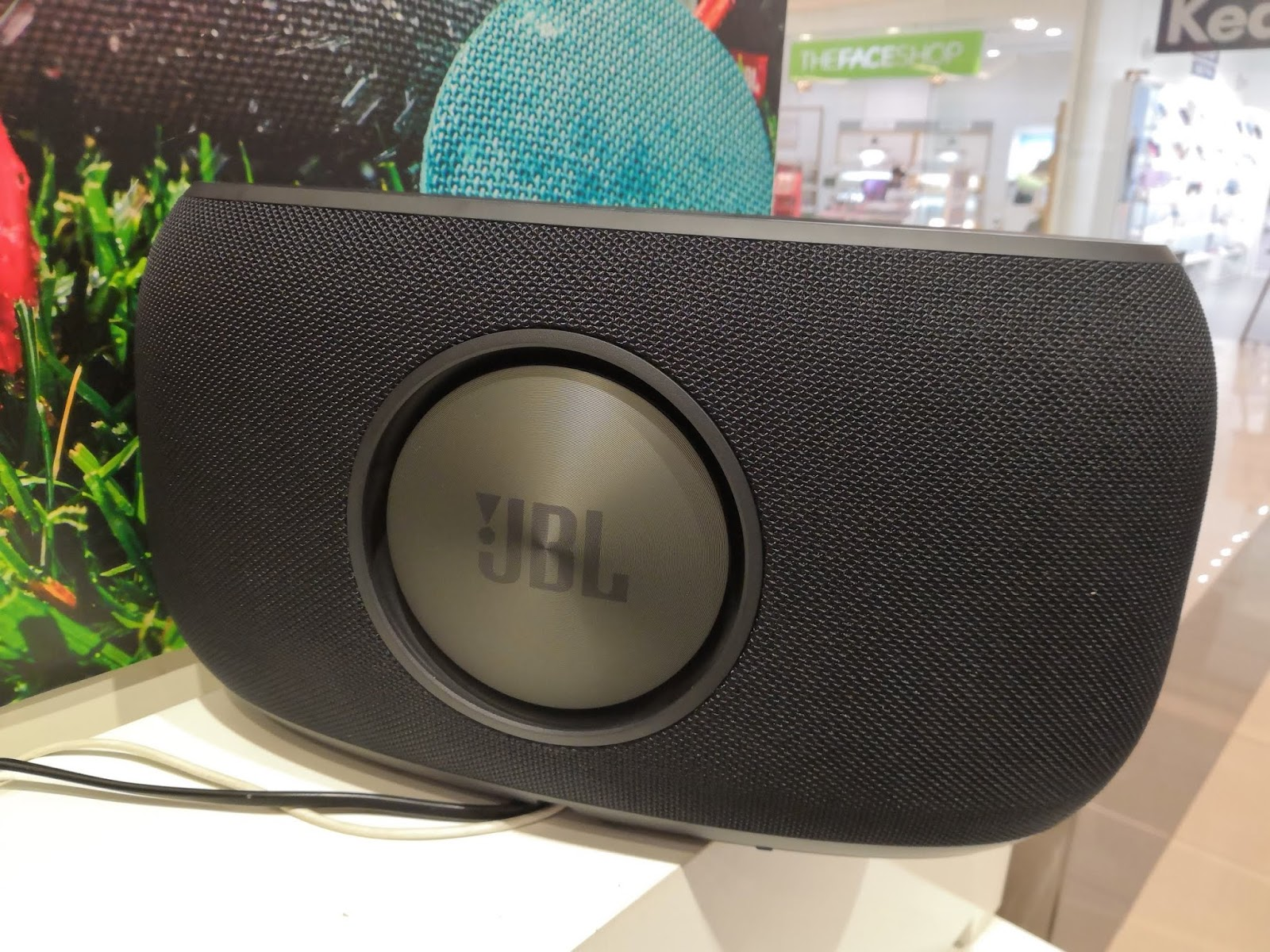 JBL Link Series First Look - BT Speakers With Google Assistant