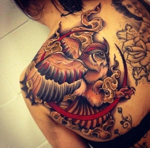 mitolojik baykuş dövmesi