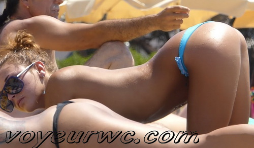 Peeping at the naked girls on the beaches (Beach Jerk 126-130)
