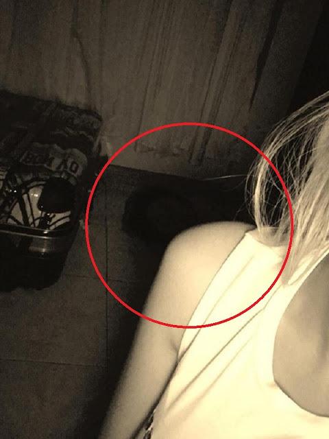 Bikin Bergidik, Wanita Ini Tangkap Sosok Menakutkan Saat Selfie Tengah Malam