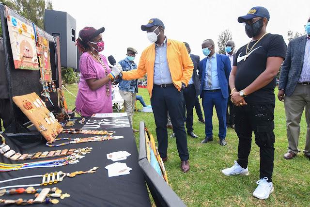 DP William Ruto with Kibra residents at Karen