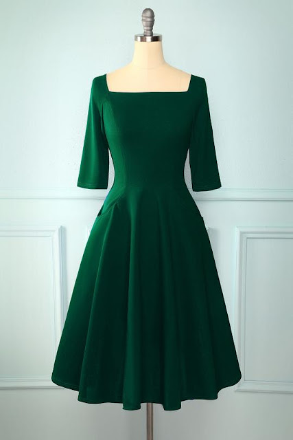 https://zapaka.com/collections/1950s-dresses/products/green-pockets-vintage-dress