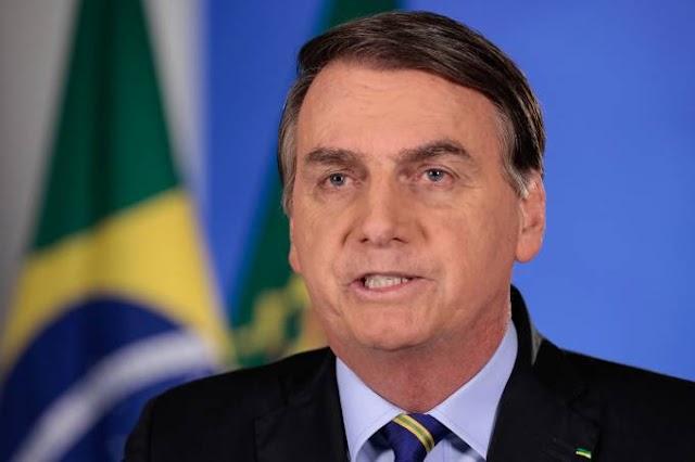 Bolsonaro veta projeto que previa prioridade a mulher chefe de família no pagamento do auxílio emergencial