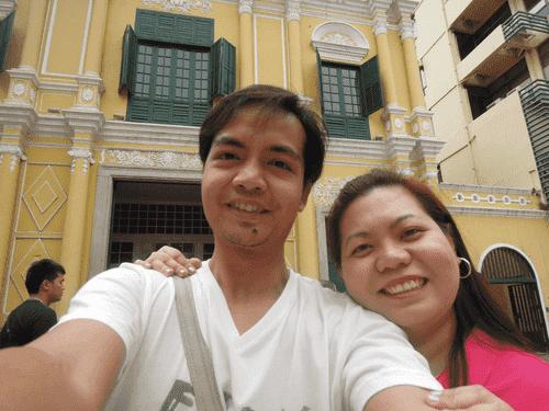 Travel bloggers in front of Sto. Domingo Church at Largo do Senado in Macau