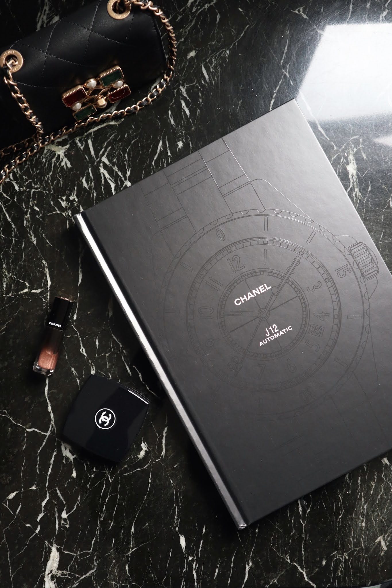 Chanel J12 Eternal Instant book