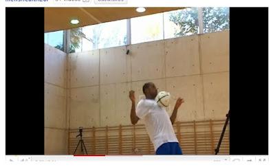 control de balón con el pecho