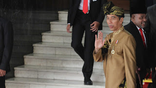 Natalius Pigai: Umat Islam Dibantai di India, di mana Jokowi?
