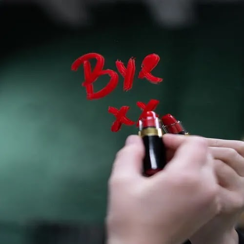 girl writing bye with lipstick on mirror, Sad DP for girls