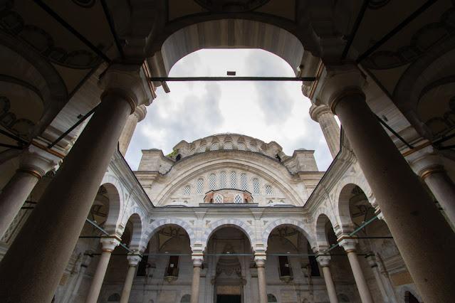 Moschea della Luce di Osman (Nuruosmaniye Camii)-Istanbul