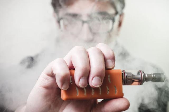 Rokok Elektrik Vape Makin Ngetrend, Padahal Bahayanya Juga Sangat Besar Bagi Kesehatan