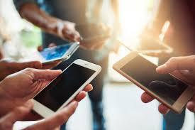 هل للهواتف المحمولة دور في مرض السرطان؟