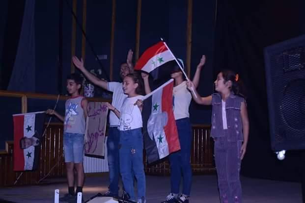 مسرحية منحبك ياوطن تعرض على المسارح السورية للمؤلف والمخرج مارك محمود