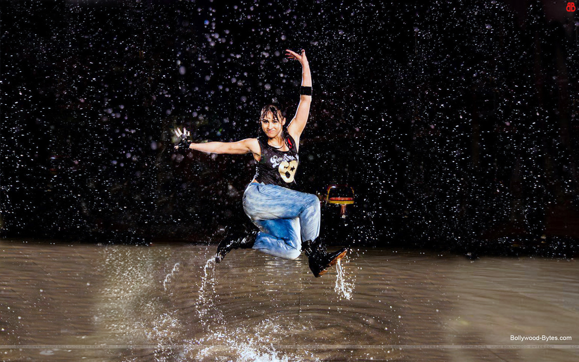 https://1.bp.blogspot.com/-5-p1CwH22gk/URdftjtMi5I/AAAAAAAAayA/AxC0X-QCZKY/s1920/ABCD-Any-Body-Can-Dance-++Hot-Lauren-Gottlieb-HD-Wallpaper-13 .jpg