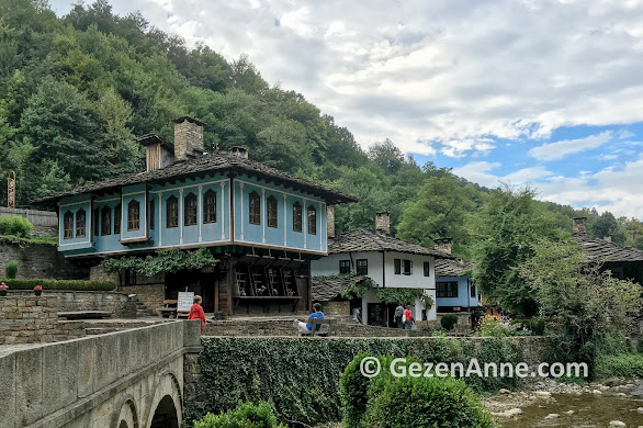 Etır müze köyü, Balkanların yamacında, Gabrovo Bulgaristan