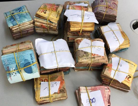 Homem é preso em Parnaíba com mais de R$ 50 mil em fundo falso de veículo