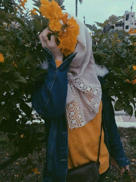 shy girl wallpaper