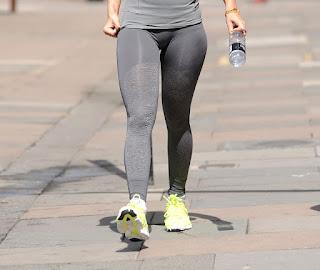 Rita Ora leggins ajustados