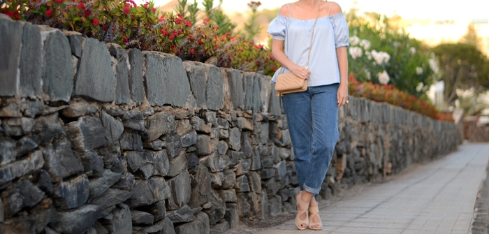mom-jeans-heeled-sandals