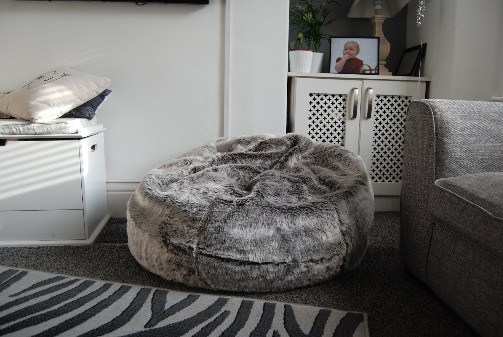 Tremendous Chic Geek Diary Icon Arctic Wolf Faux Fur Bean Bag From Squirreltailoven Fun Painted Chair Ideas Images Squirreltailovenorg
