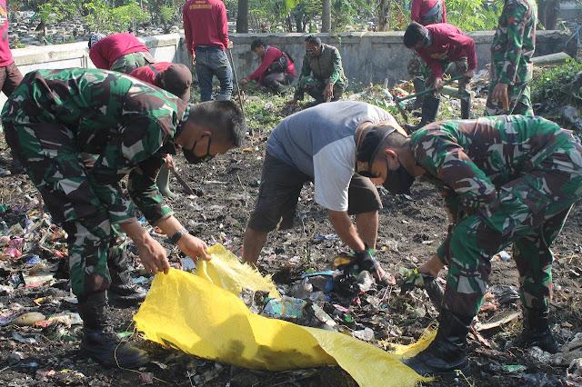 kegiatan gotong royong ini dilaksanakan untuk memupuk rasa gotong-royong yang selama ini sudah baik, harus dipelihara dan ini termasuk Kemanunggalan TNI dan rakyat