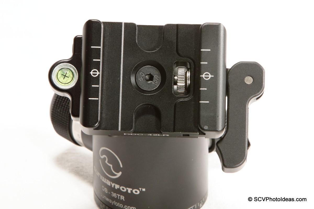 Sunwayfoto DB-36TRLR Lever Release QR Clamp