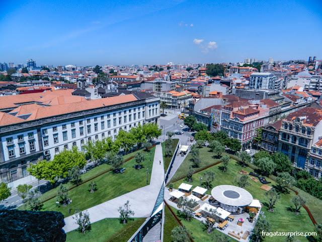 Vista do alto da Torre dos clérigos, no Porto, Portugal