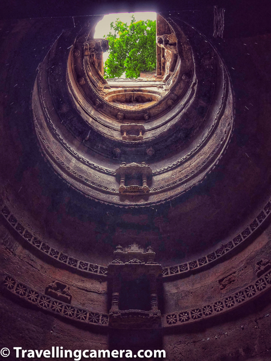 Above photograph is closed from bottom of the stepwell, and from the place closer to water tank. As you can make out, it's circular at the core and looks wonderful from bottom of the stepwell. This certainly covers 2nd floor and above and not the complete view what human eyes can see & enjoy.