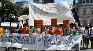 Luego de destacar la noticias, desde la Federación Universitaria de La Plata, afirmaron que la iniciativa prospero pese a que el gobierno bonaerense no estaba dispuesto a dar cumplimiento a la norma aprobada el año pasado.