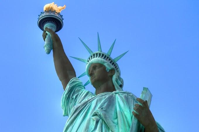 Статую Свободы покрасят в чёрный цвет из-за жалоб на расизм