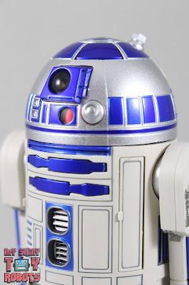 S.H. Figuarts R2-D2 01