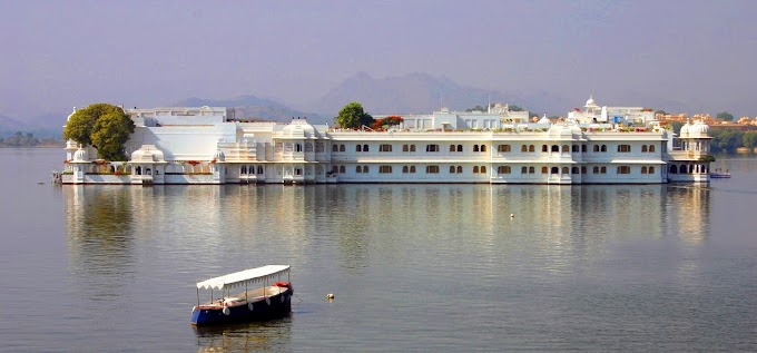 Udaipur Historic, Architecture and City of Lakes in South Asia- Travel Guide