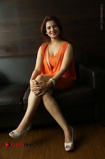 Actress Saloni Aswani Pos in Short Dress at Meelo Evaru Koteeswarudu Movie Interview  0279.JPG