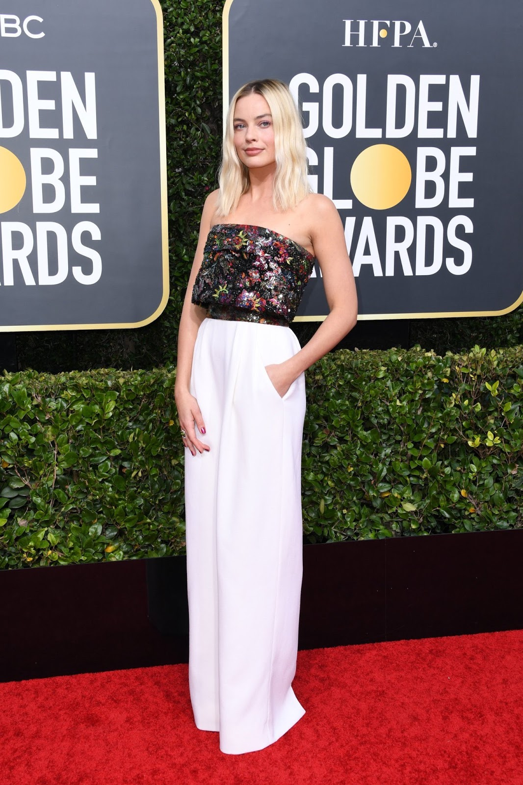 Margot Robbie Goes Chic in a Jumpsuit at Golden Globes 2020