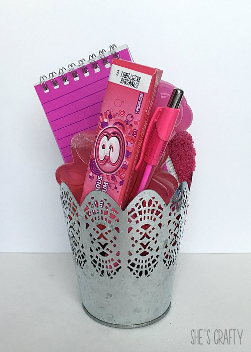 gift ideas from the dollar store, inexpensive gift ideas, gift bucket, color themed gift